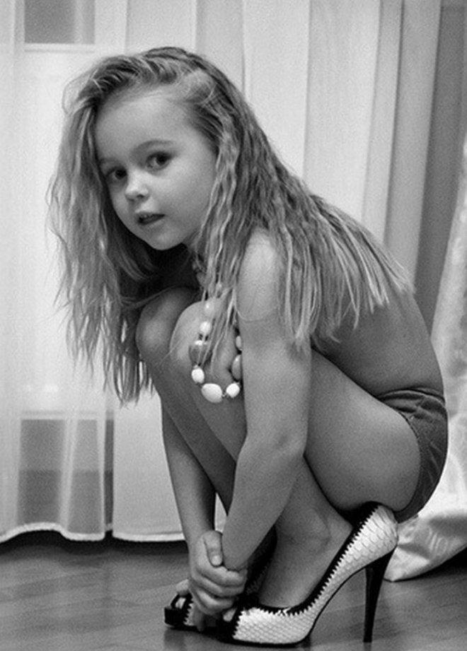 фото маленьких моделей голых