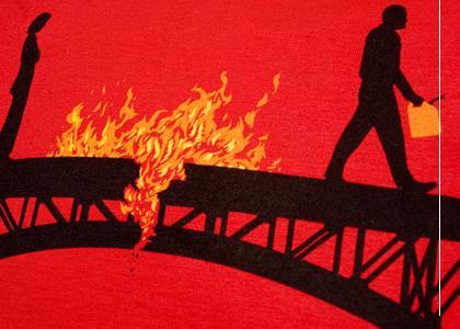 Горит мост через золотой рог
