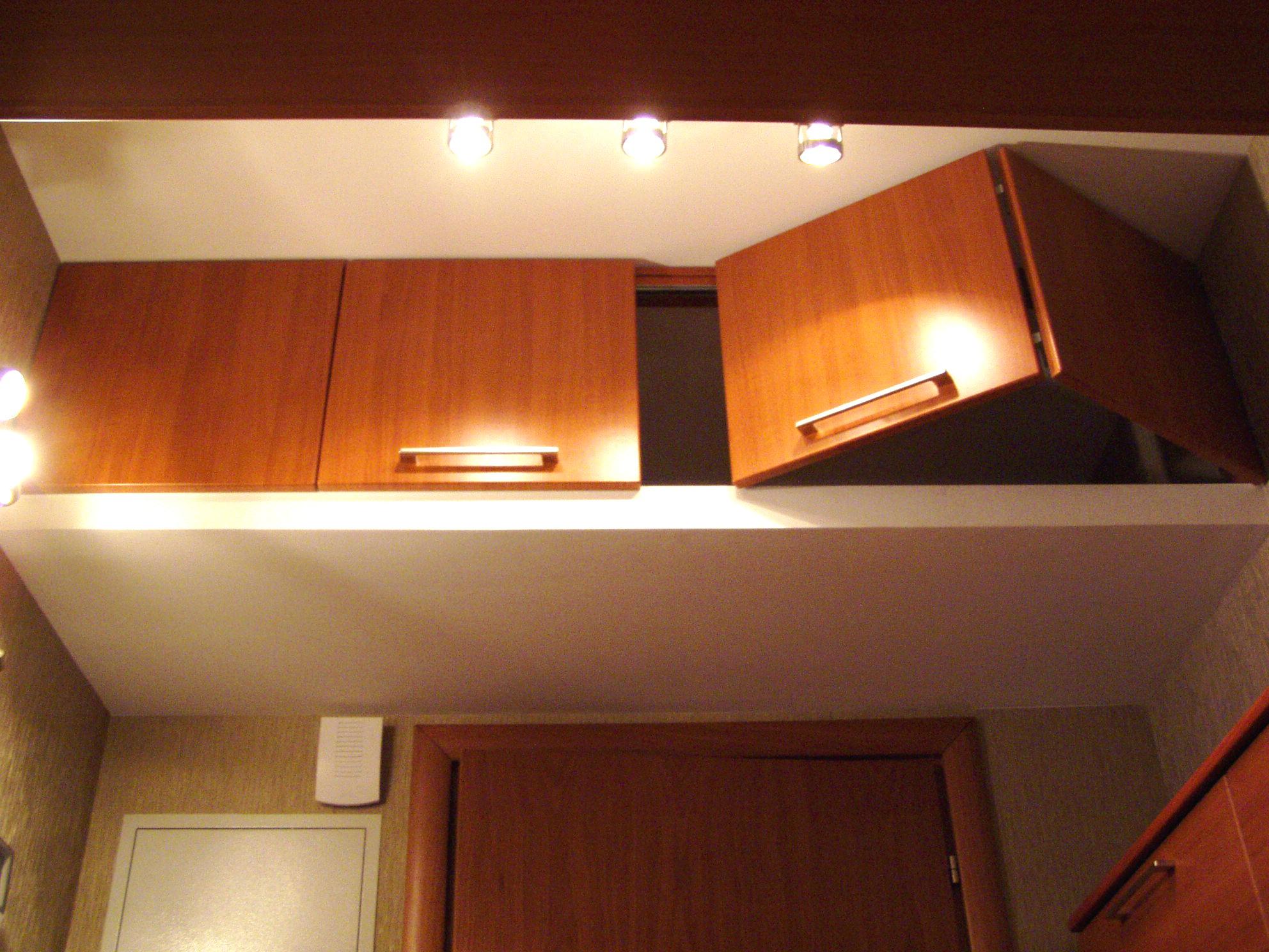 Как сделать подвесные шкафы в прихожей