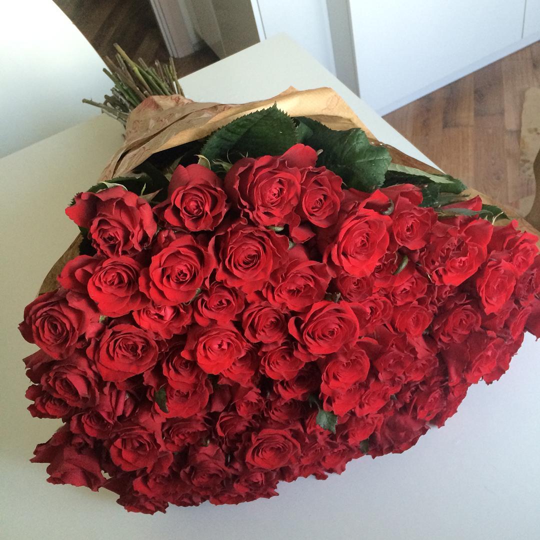 Фото цветов букетов красных роз